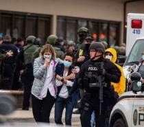 Ataque no Colorado: atirador mata pelo menos 10 pessoas em supermercado de Boulder, nos EUA