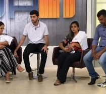 Casais que tiveram bebês trocados em hospital decidem morar juntos até que saia resultado de DNA