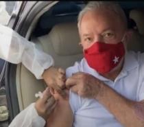 Lula toma 1ª dose da vacina contra o coronavírus em São Bernardo do Campo